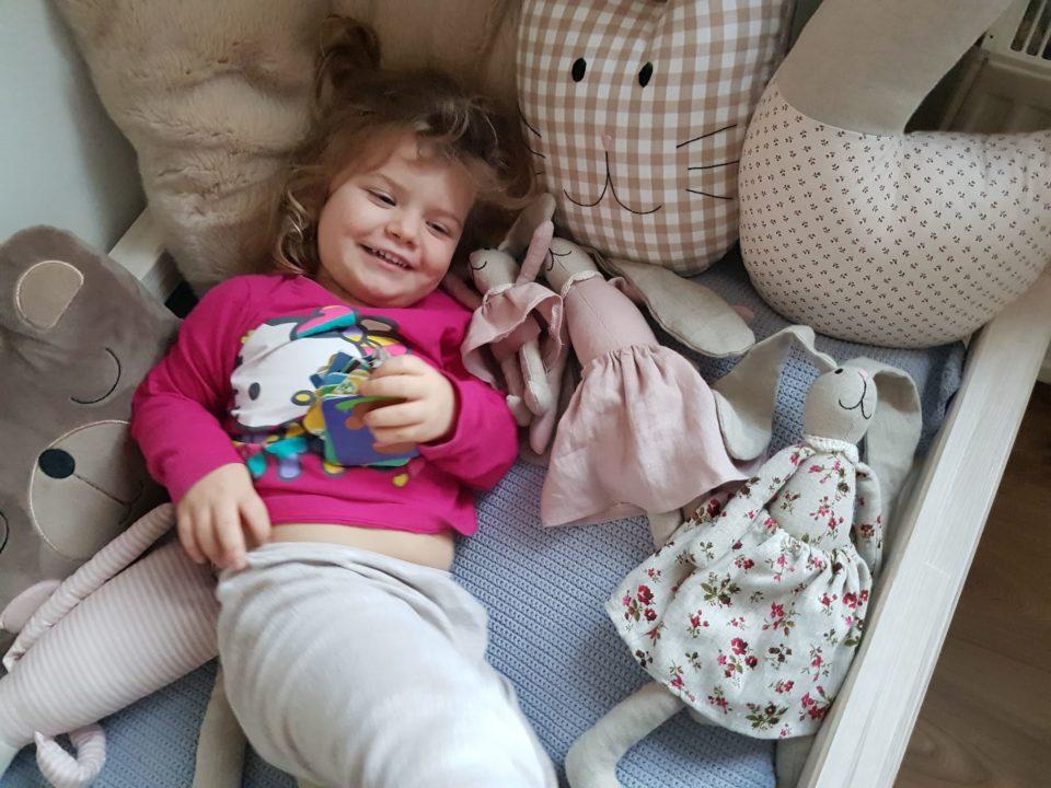 poduszka ozdobna dla dziewczynki
